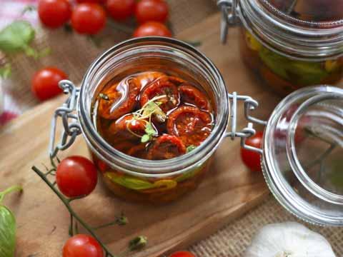 Tomaten inmaken in olie